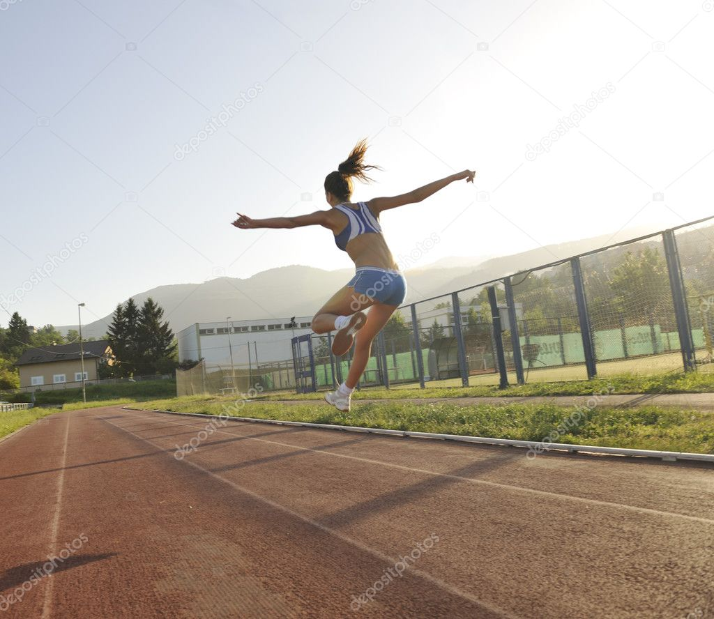 Frau joggen am frühen Morgen — Stockfoto © .shock #3344019