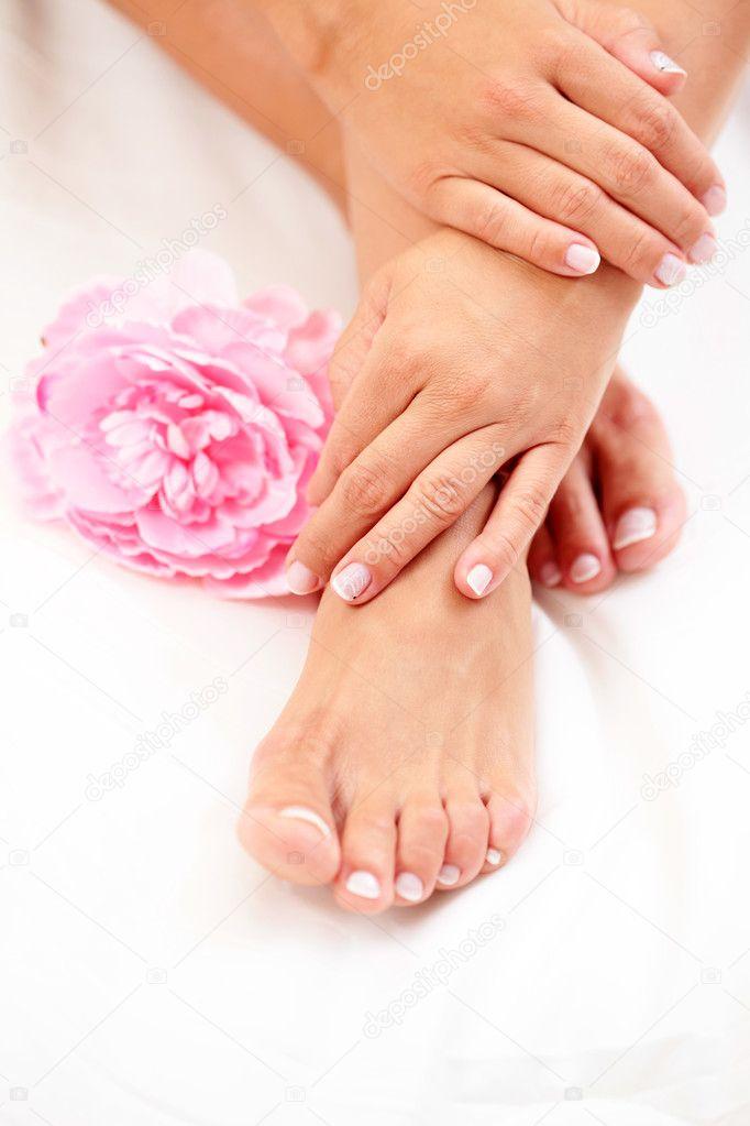 Mani e piedi belli foto stock matka wariatka 4572171 for Piani domestici di 2000 piedi quadrati