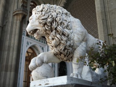 Marble sculpture of lion by the Vorontsovsky palace