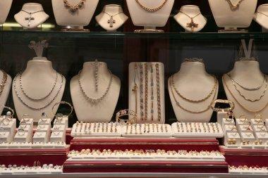 Jewelry store (show-window)