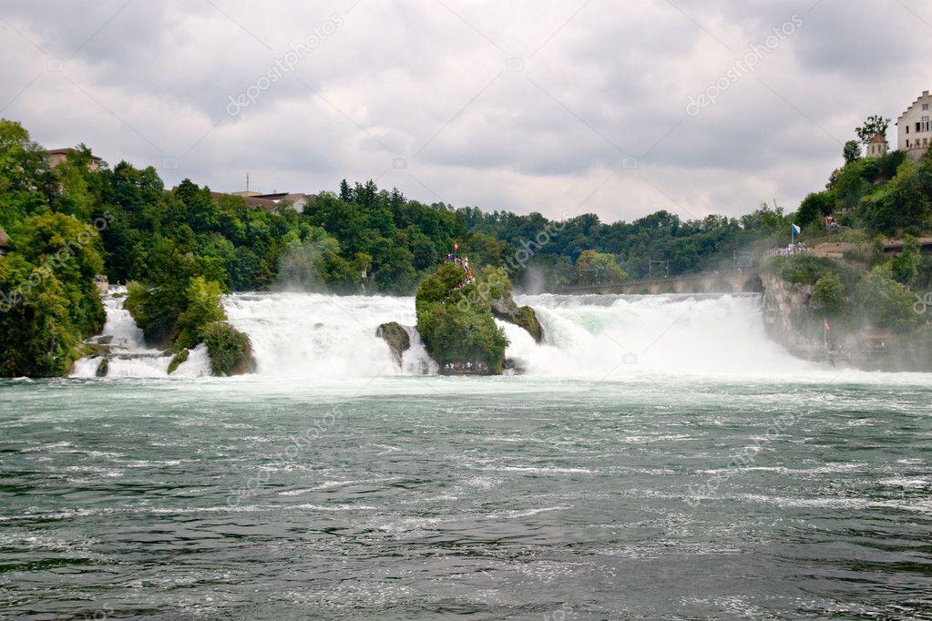 Waterval Rijn Zwitserland.Sluit Weergave Van Rijn Waterval In Zwitserland Stockfoto
