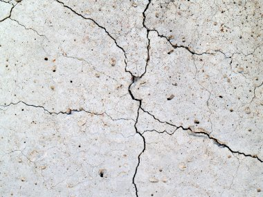 Crack in concrete2