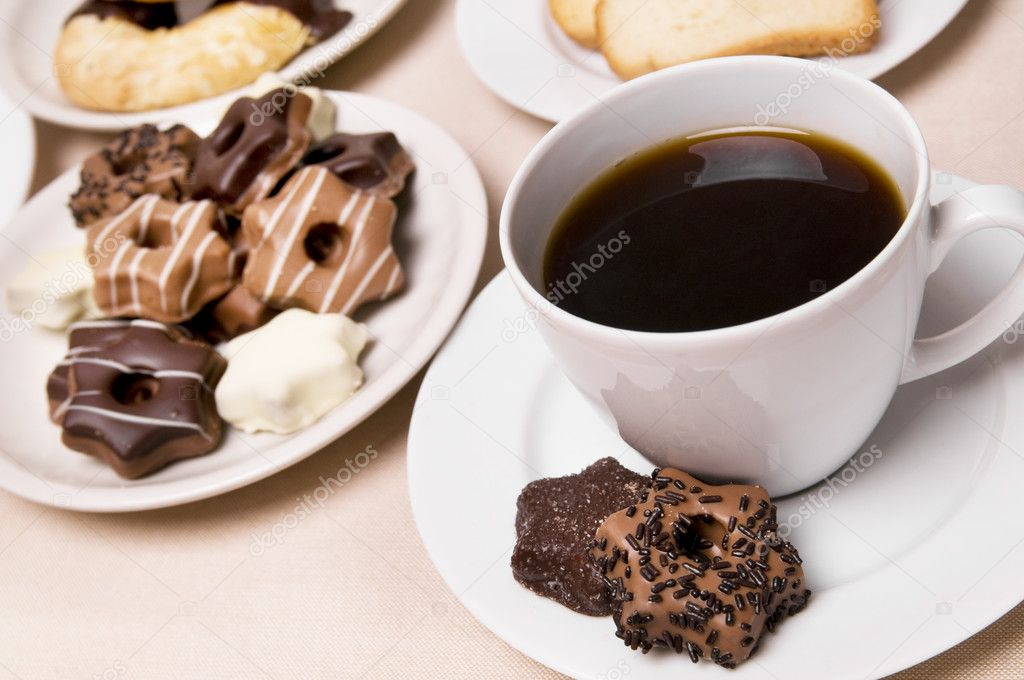 https://static4.depositphotos.com/1004677/289/i/950/depositphotos_2890345-stock-photo-coffee-and-sweets.jpg