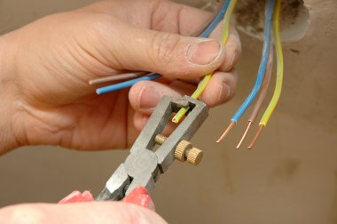 Repair the outlet