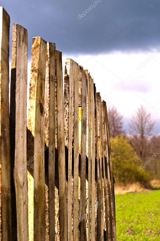 парке, картинки забор с гвоздями использовании