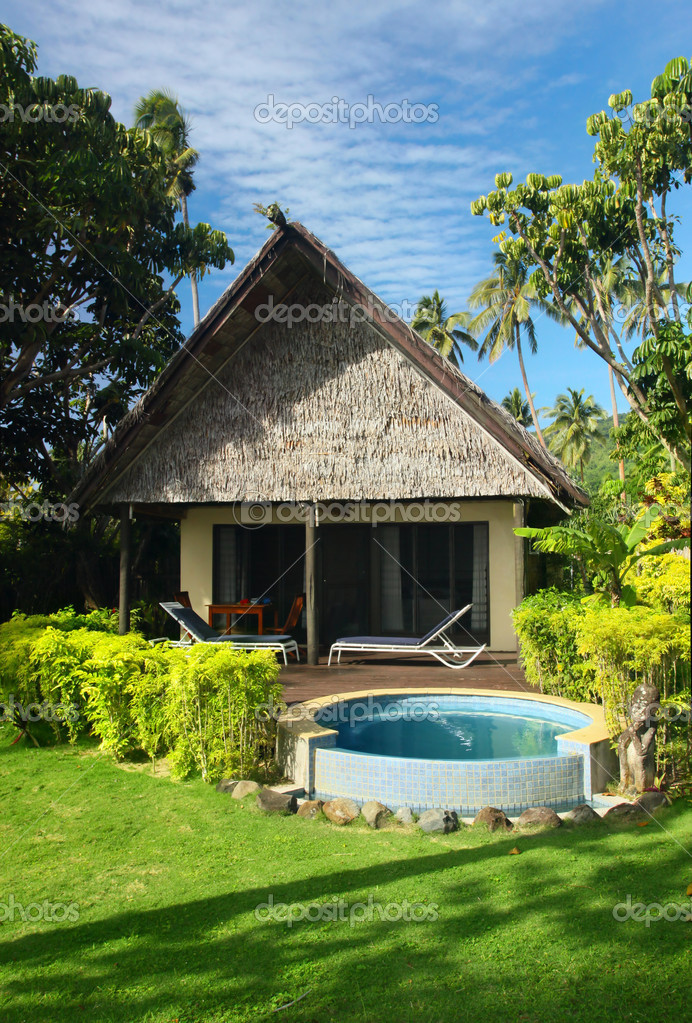 Beach bungalow with jacuzzi outdoor