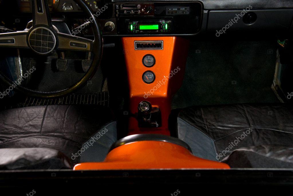 aangepaste vrachtwagen interieur — Stockfoto © vesivus #2828246
