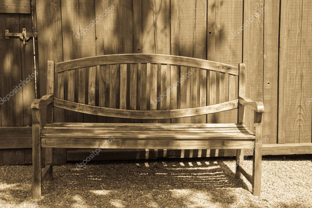 Garden Bench in Antique Light