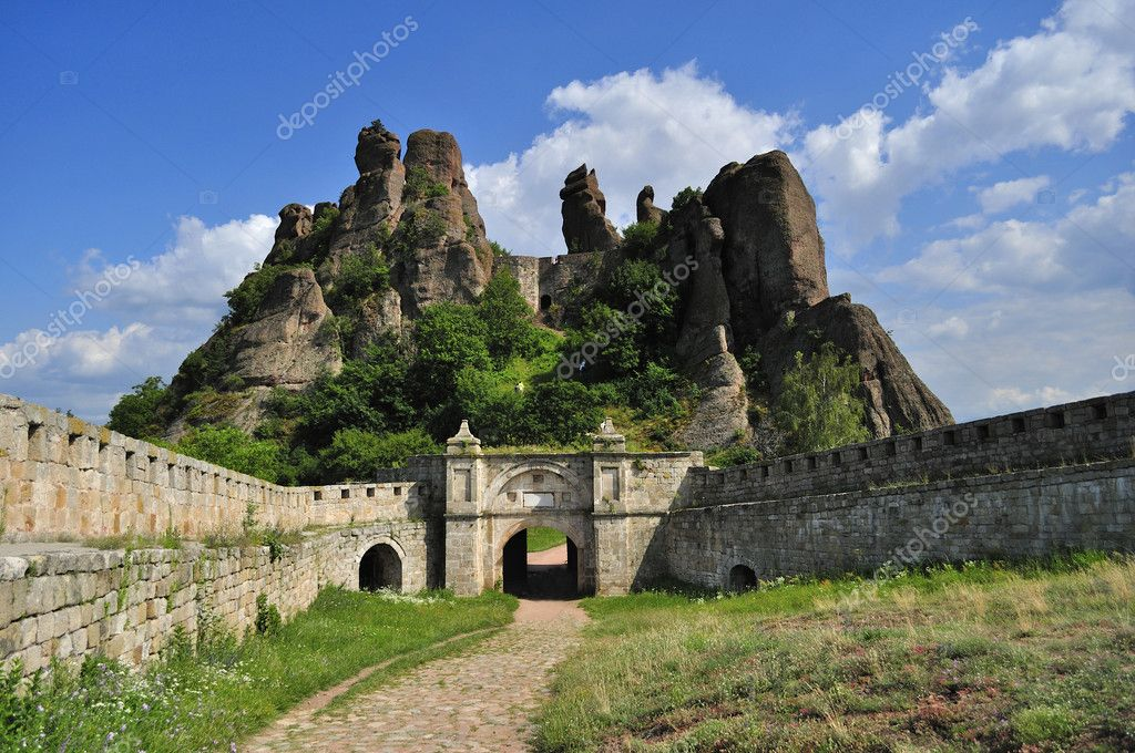 Le rocce di belogradchik foto stock kpatyhka 3563511 for Foto di 4 piani
