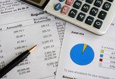 Zkontrolujte měsíční výpis z účtu a vyvážení portfolia