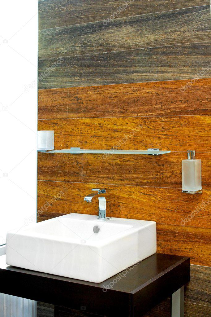 houten badkamer stockfoto