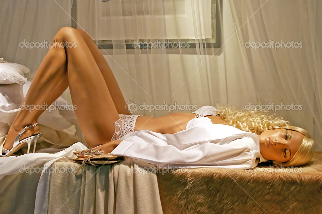 Erotic mannequin