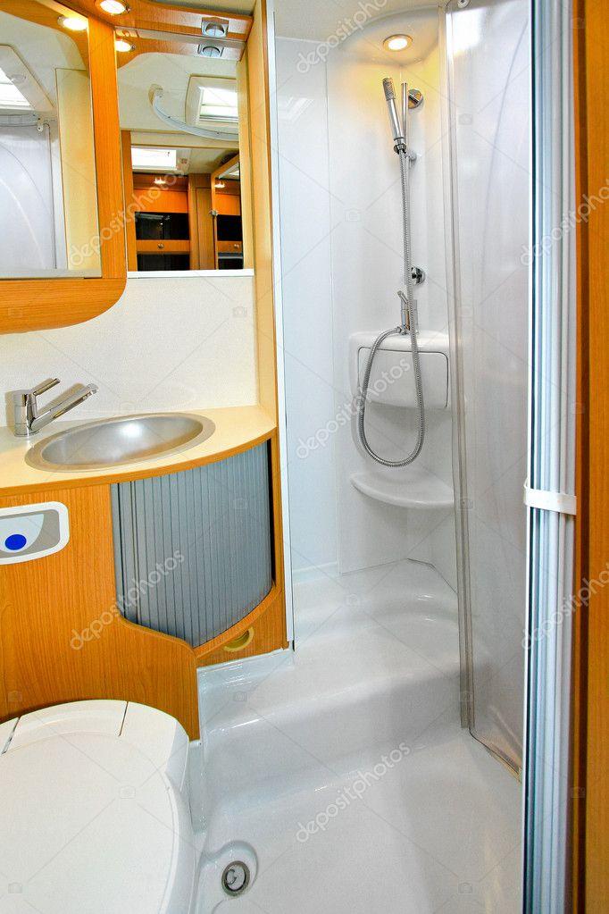 Camper Prysznic Zdjęcie Stockowe Baloncici 3825629