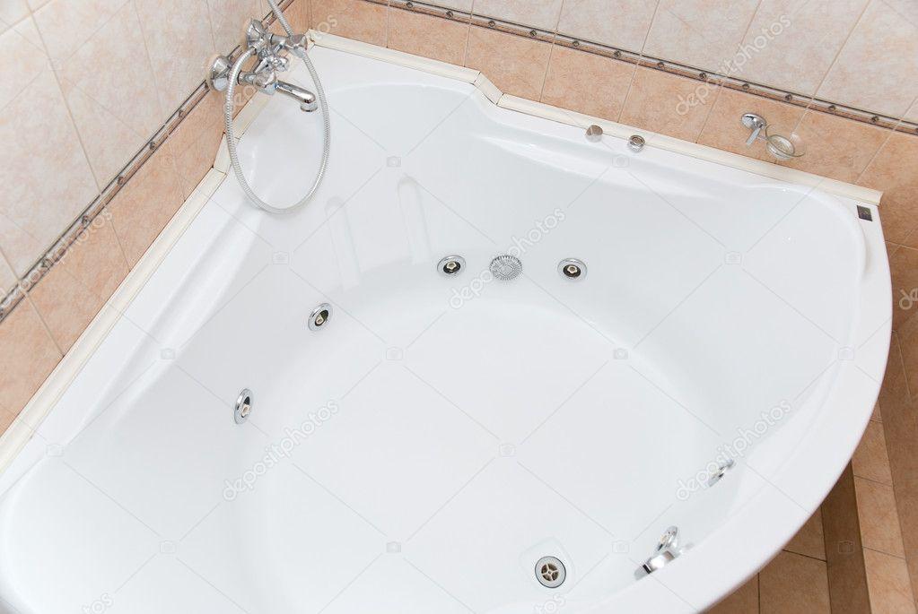 Big bathtub — Stock Photo © olinchuk #2760493