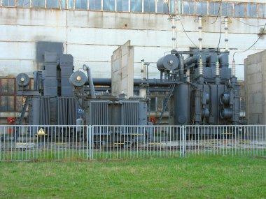 Huge high voltage electric converter