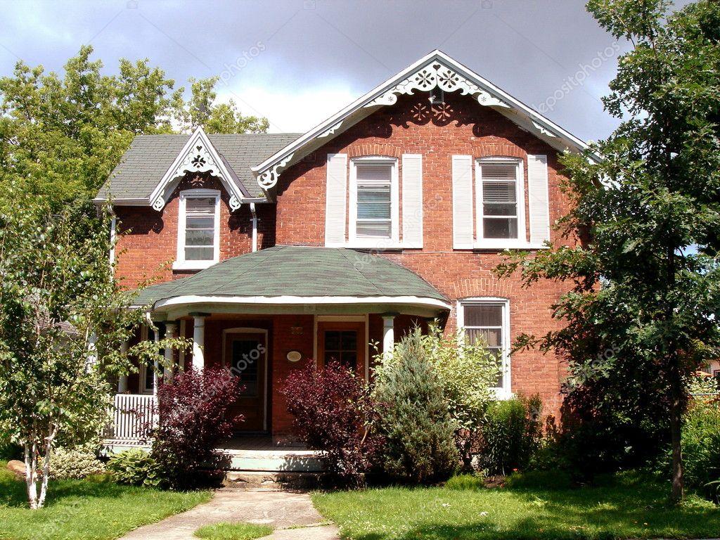 Red brick house stock photo elenarts 3350553 for Colores para fachadas de casas
