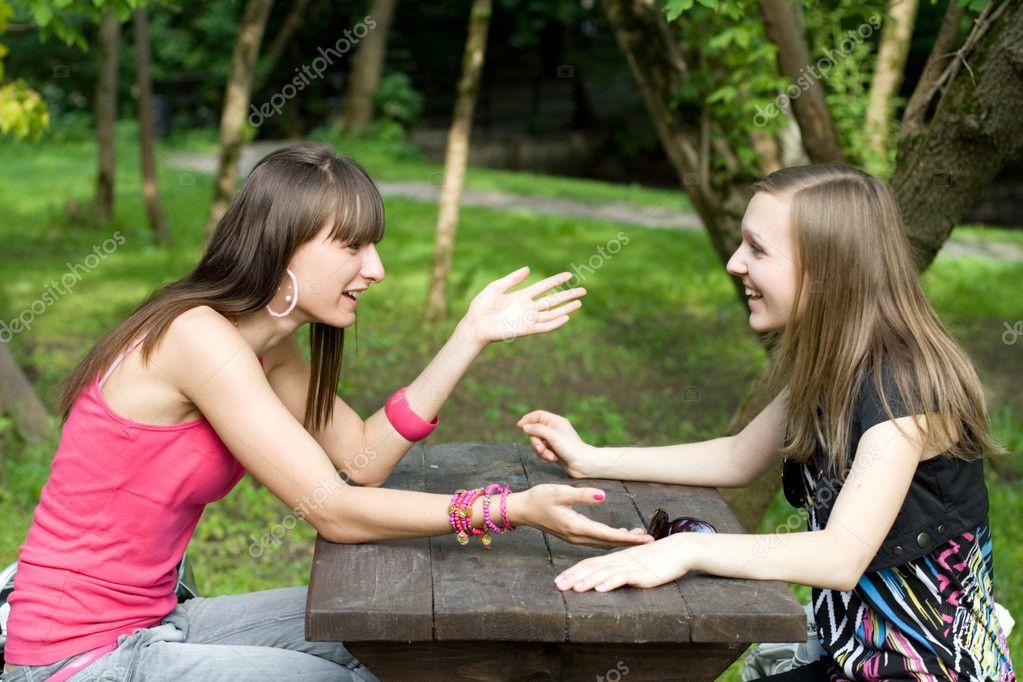 Женщины фото две подружки играют с самотыком жестко