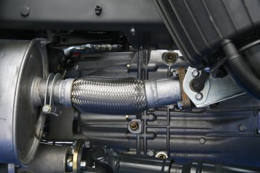Air pipe and gear box