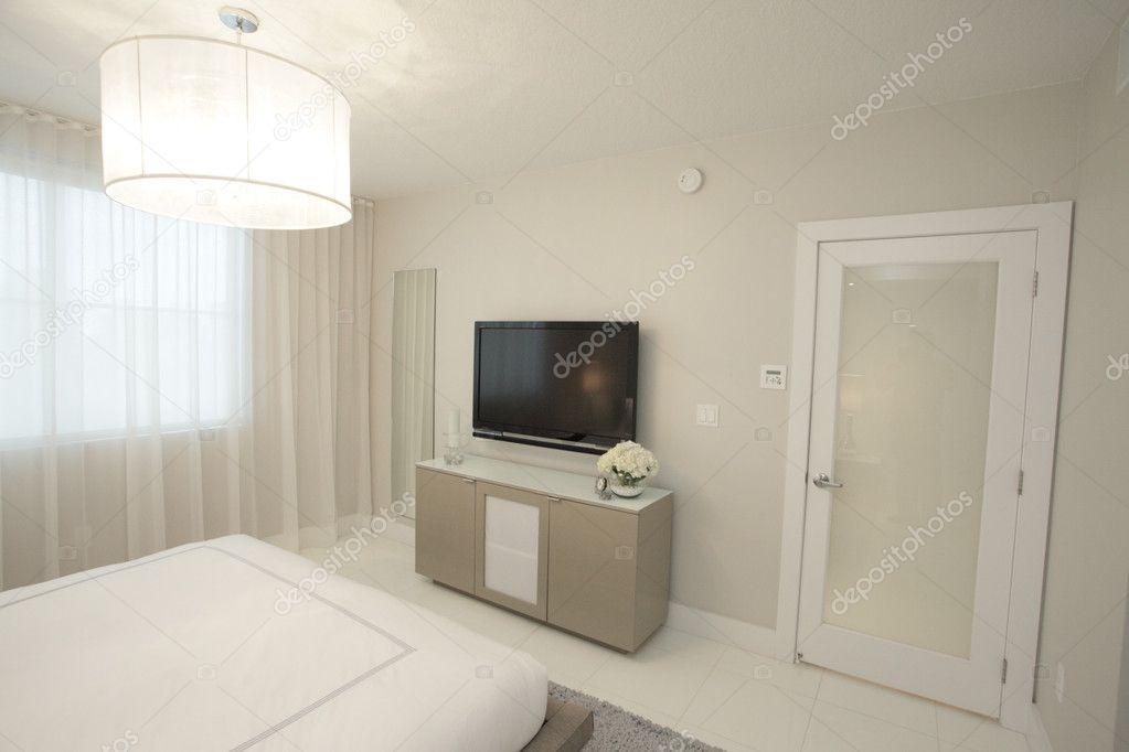moderna camera da letto con tv ? foto stock © felixtm #3163137 - Camera Da Letto Con Tv