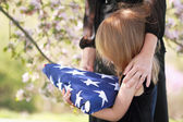 Kind mit einem Elternteil Flagge