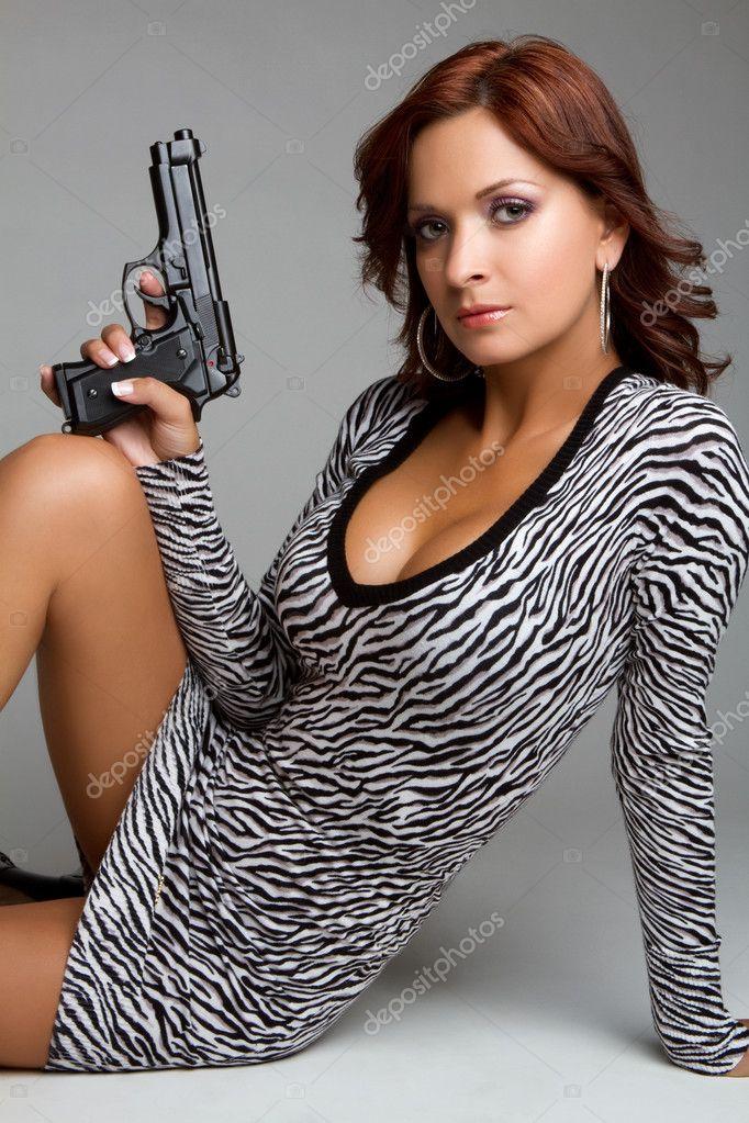 ᐈ Mujeres Con Armas Imágenes De Stock Fotos Chicas Con