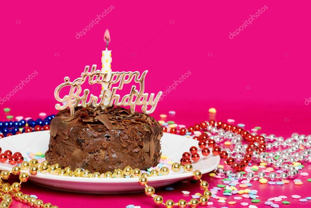 Chiudere In Su Di Una Torta Di Compleanno Al Cioccolato Con