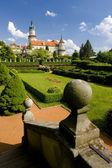 zámek nové město nad Metují se zahradou, Česká republika