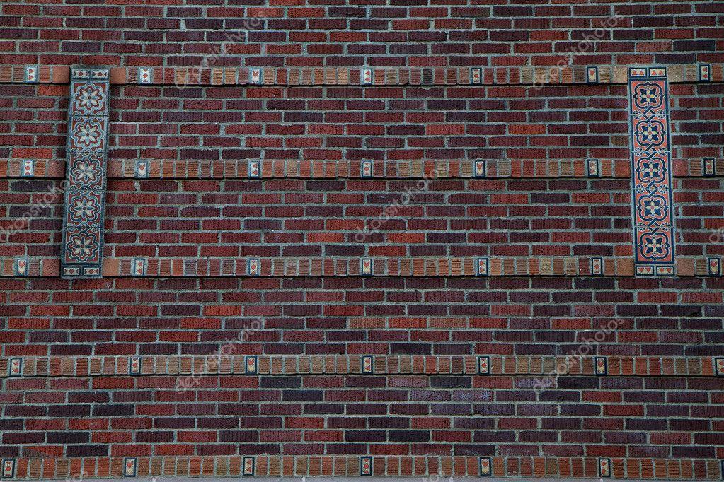 Muro di mattoni con disegno delle mattonelle u2014 foto stock