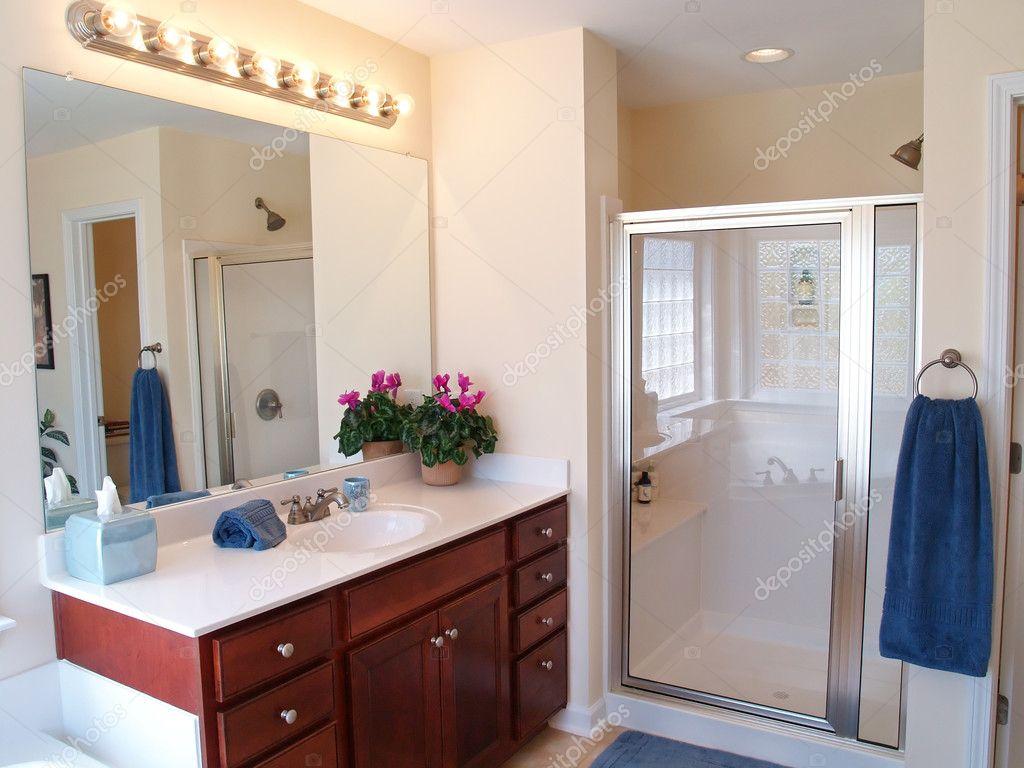 bagno moderno ? foto stock © digerati #3483759 - Design Della Porta In Legno Moderno Con Vetro