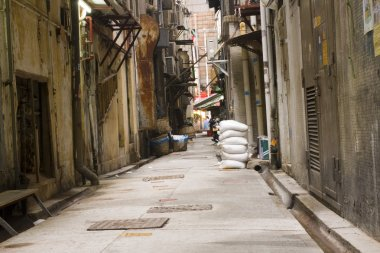 Long dark back alley