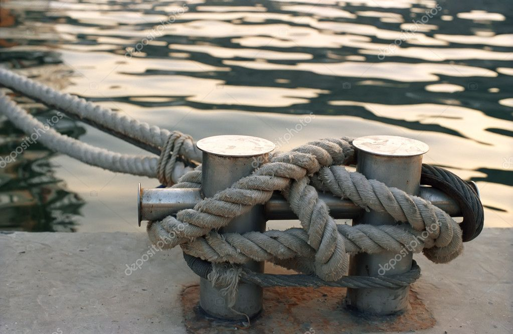 Bitts with rope