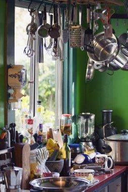 Kitchen clutter 04