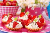 Erdbeere Mini Törtchen