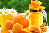 Fényképek narancs- és sárgabarack lekvár