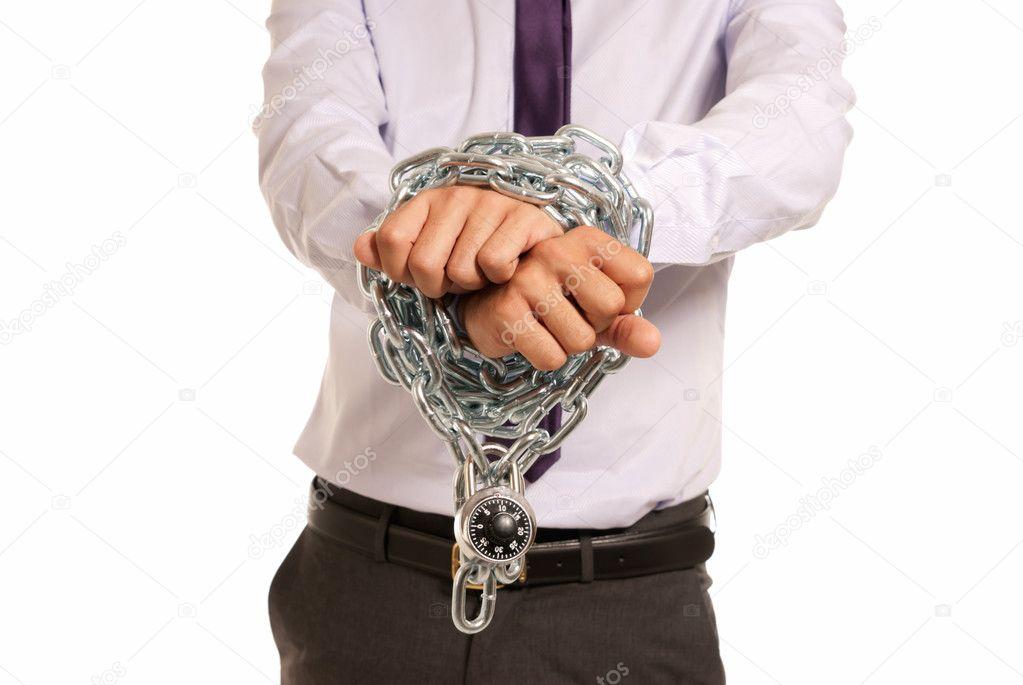 mains d 39 homme d 39 affaires entrav es avec cha ne et cadenas symbole de travail esclave isoler. Black Bedroom Furniture Sets. Home Design Ideas