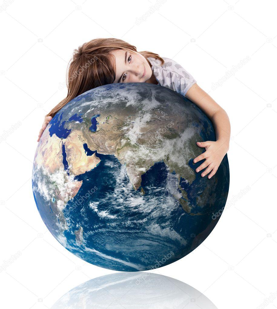 планета земля держит свою фотографию и плачет