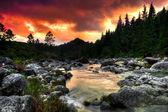 Fényképek Mountain river