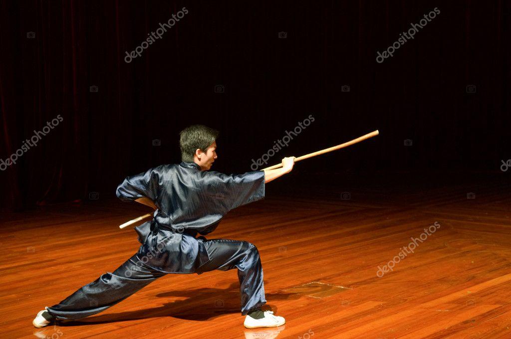 Μακάο - 25 Απριλίου  ο άνθρωπος που εκτελεί κινέζικα kung fu (wu shu) ef424194bab