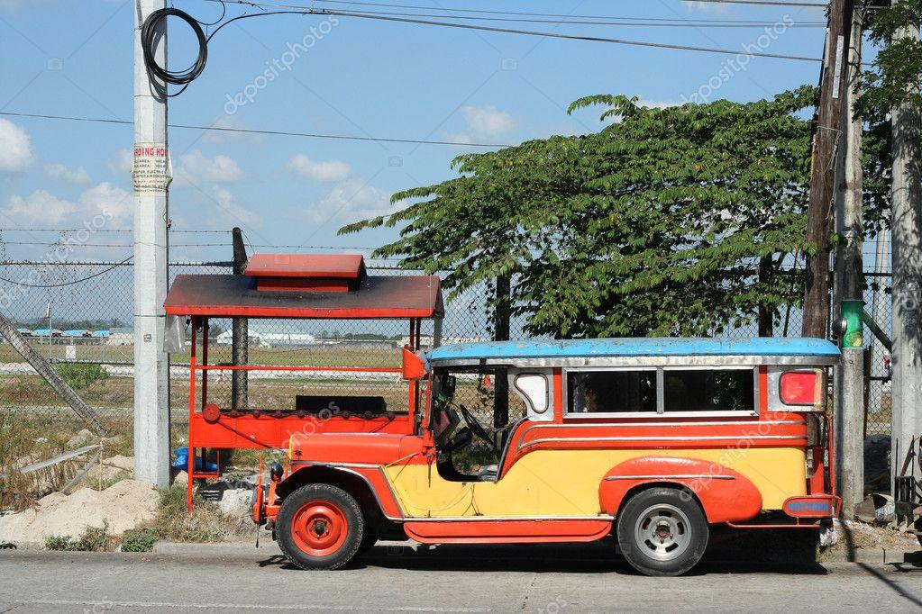 Clark jeepney public transport vehicle philippines — Stock Photo