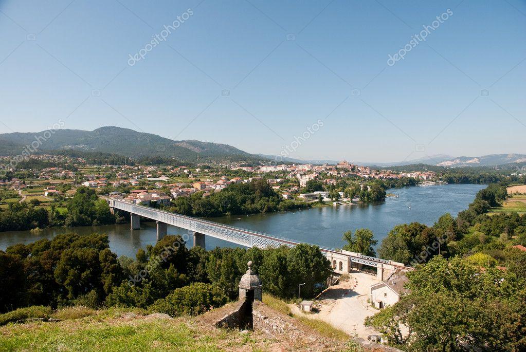 Fluss In Portugal fluss zwischen portugal und spanien stockfoto homydesign 3600018