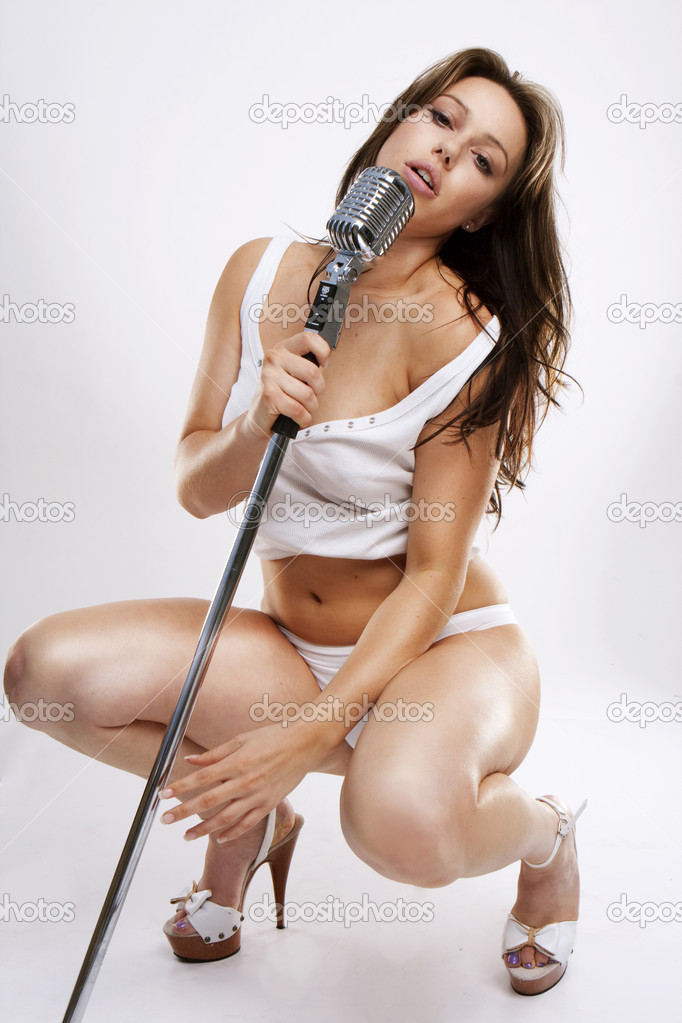 Ебет пиздой шлюшки с микрофоном фото групповушки видео огромнейшие