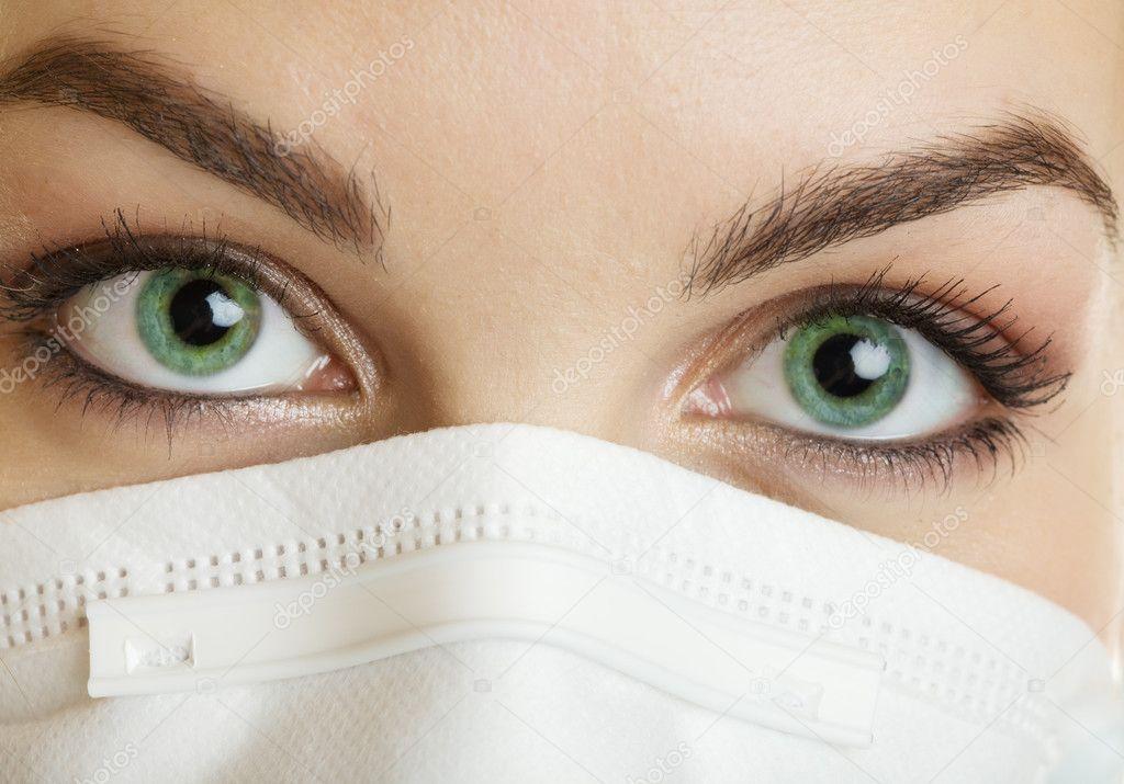 глазами медсестры с красивыми