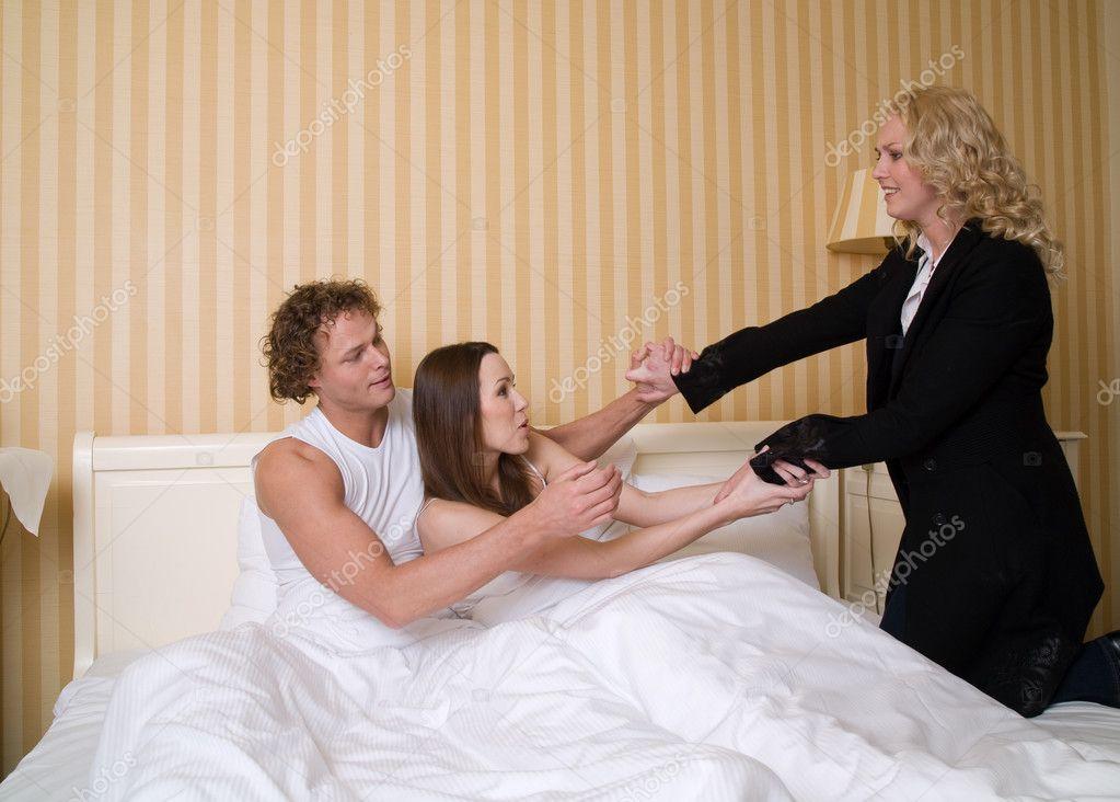 подарил жене любовника фото