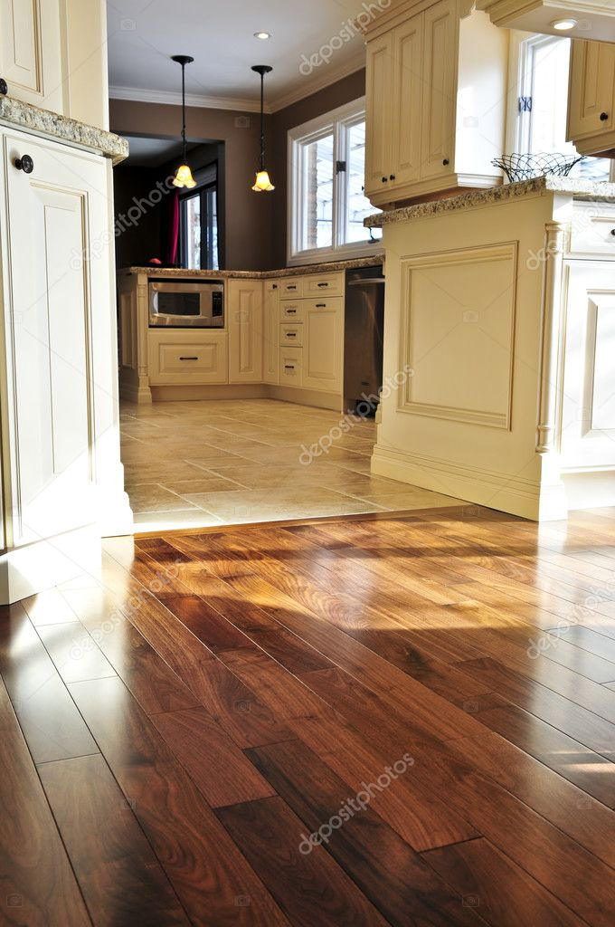 pavimento in parquet e piastrelle — Foto Stock © elenathewise #4565507