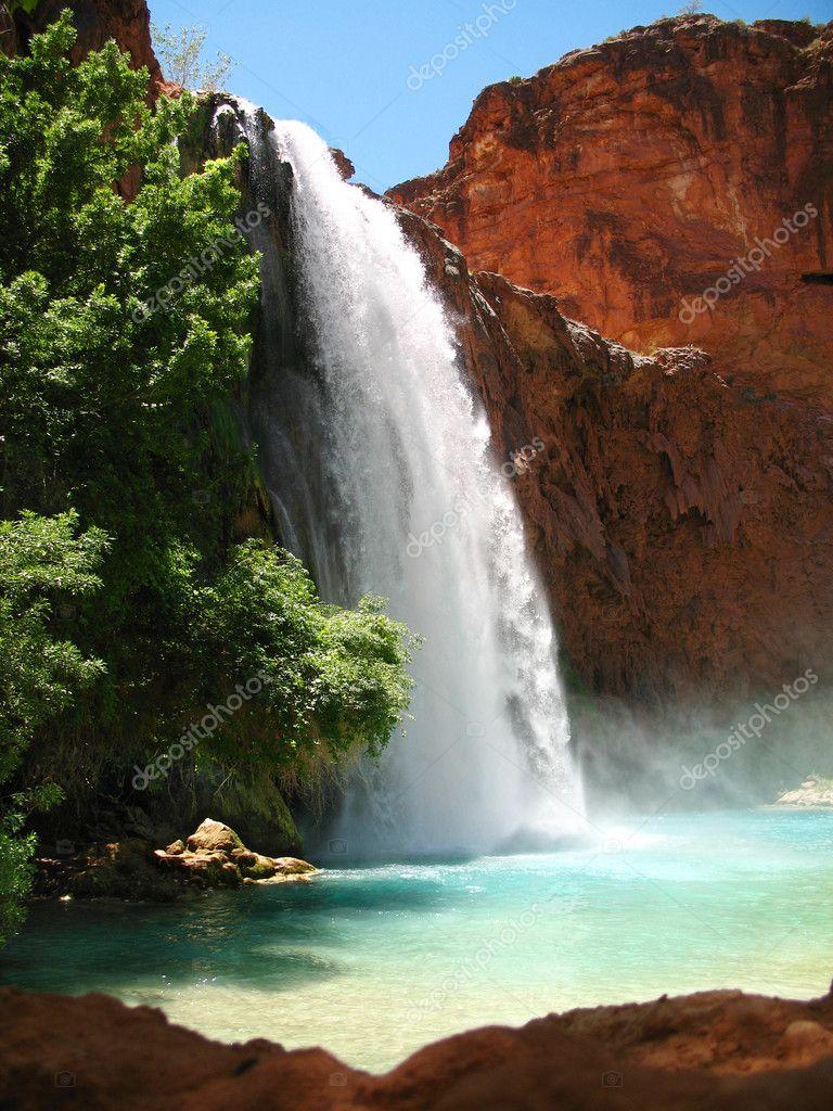 Фотообои Bright Waterfall