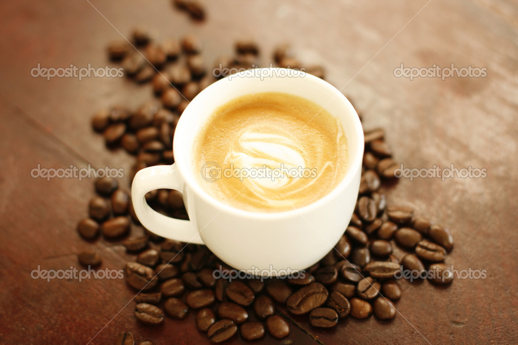 Piccolo latte with a coffee art design. — Stock Photo ...