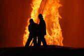 tűzoltók munkában