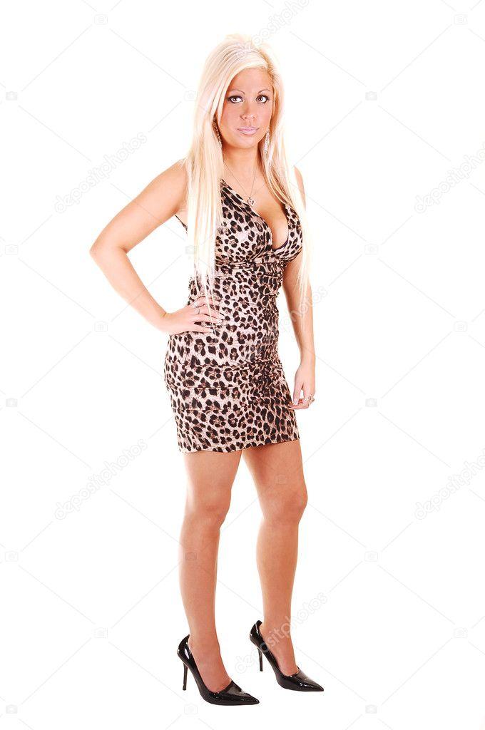 2e64cdeba0b6 hezká dívka v krátkých šatech — Stock Fotografie © sucher  3417523