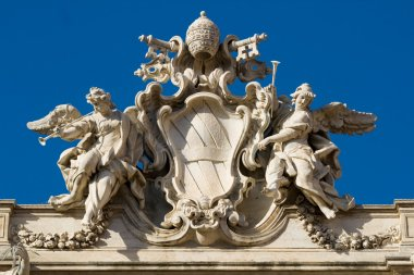 Trevi Fountain roof sculpture
