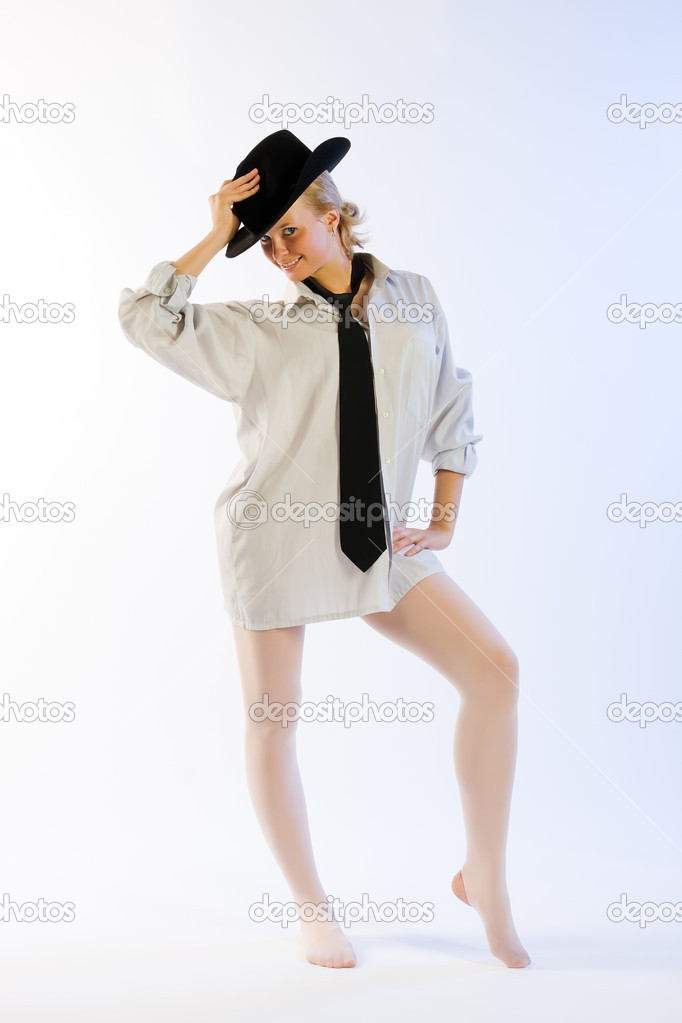 Женский стриптиз в рубашке